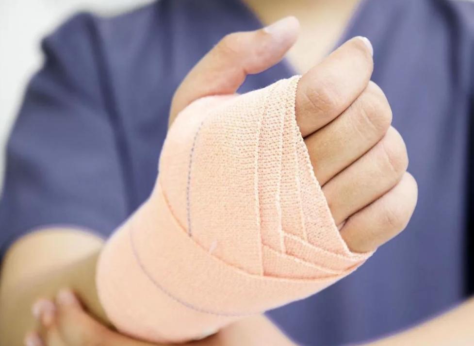 Основы оказания хирургической помощи при травме кисти.