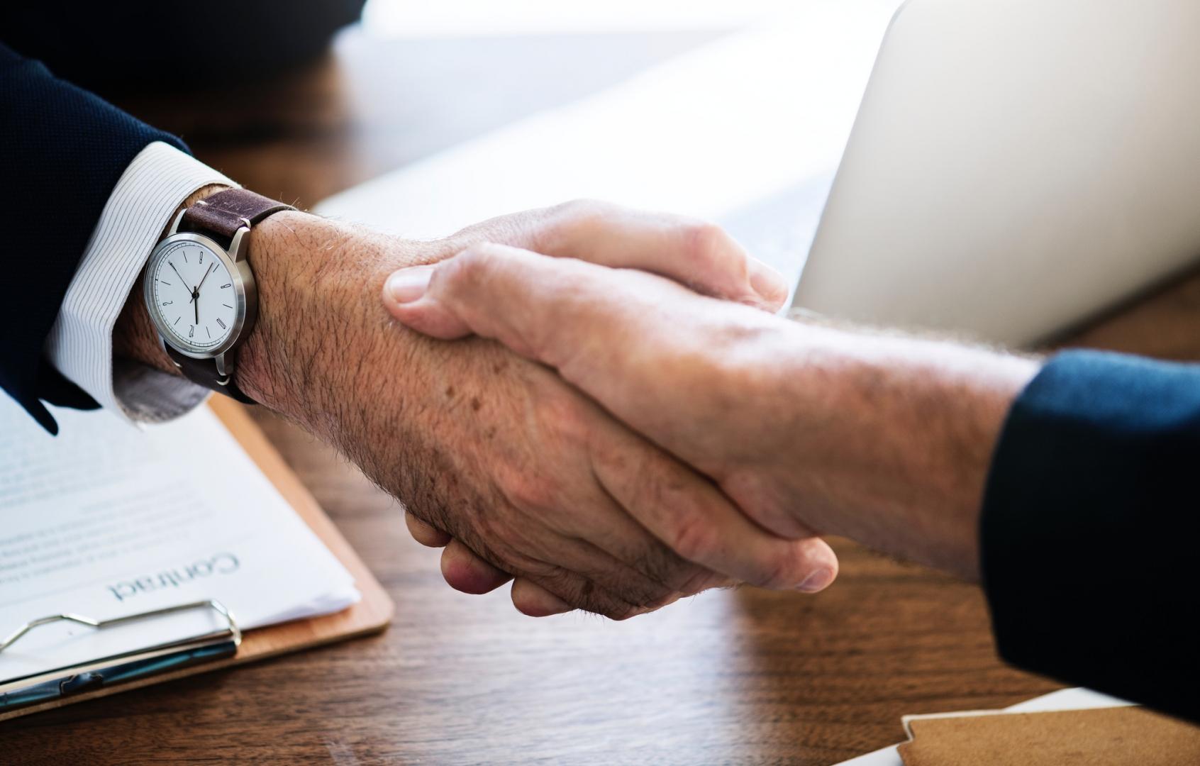 Компания UNIM и фармацевтическая компания AstraZeneca создадут совместную онлайн-платформу для обучения онкологов