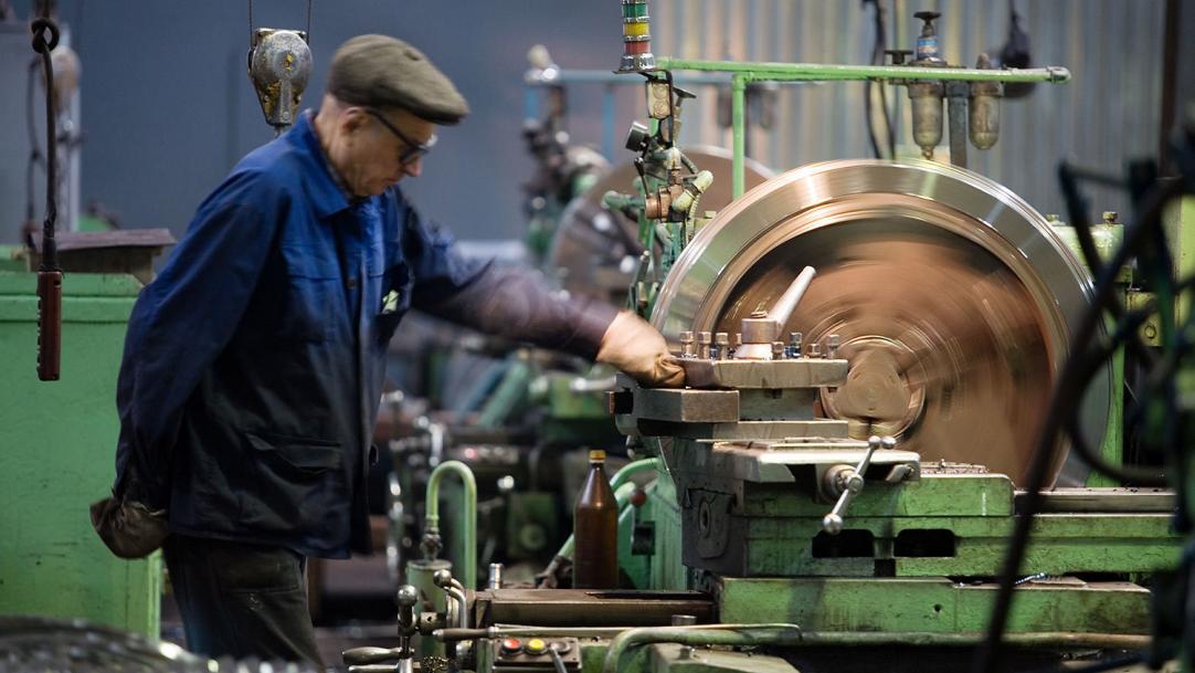 Минтруду предложили сократить рабочий день для пожилых россиян