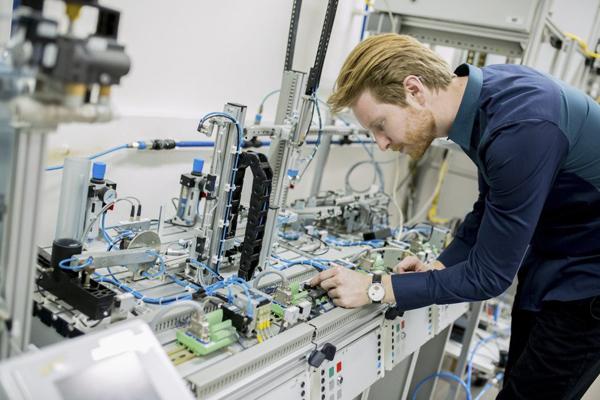 В 2022 году начнет действовать профстандарт мехатроника в области промышленной автоматизации