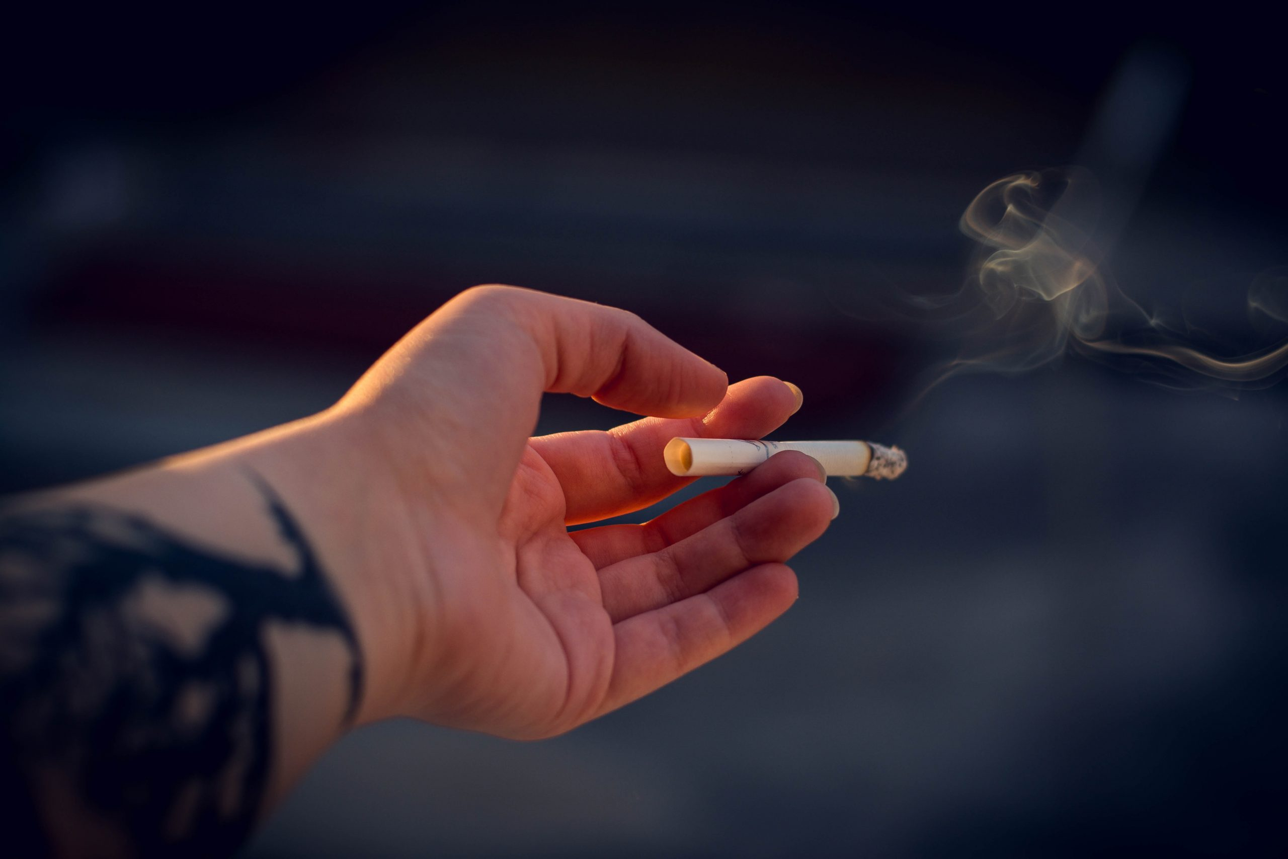 Минздрав разработает новые меры по борьбе с курением