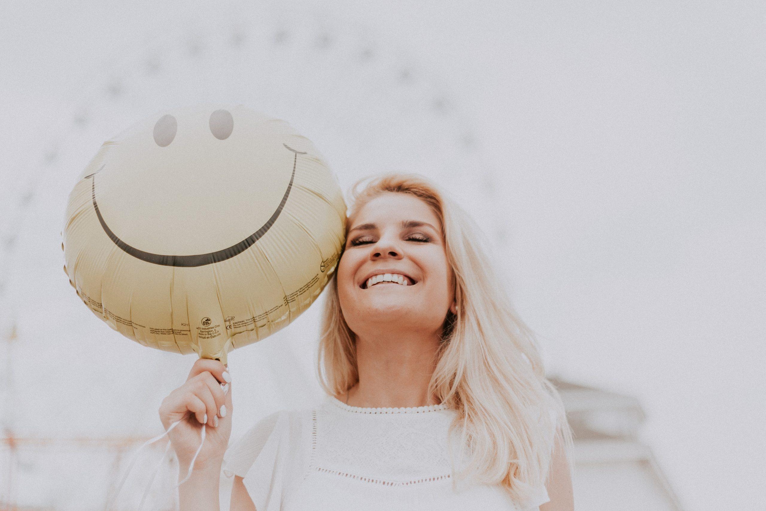 Как научиться мыслить позитивно и притягивать положительное?