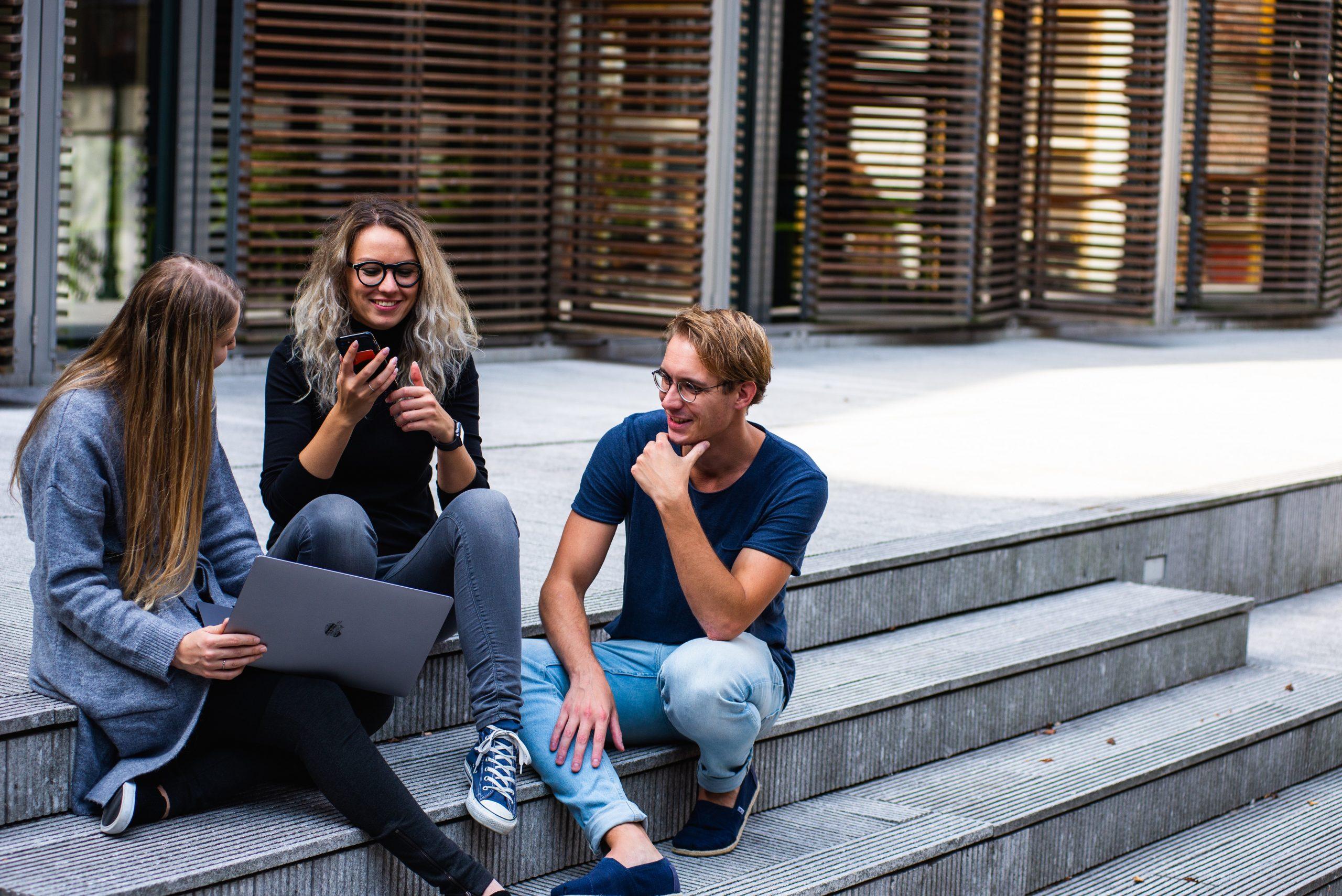 Профессор ВШЭ заявил об оттоке талантливой молодежи за рубеж